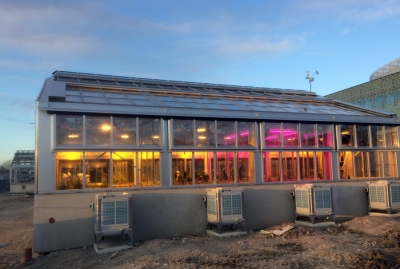 Evaporative air conditioning in agricultural research center